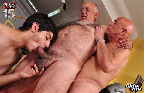 gay men silver daddies thumb free jpg 800x518